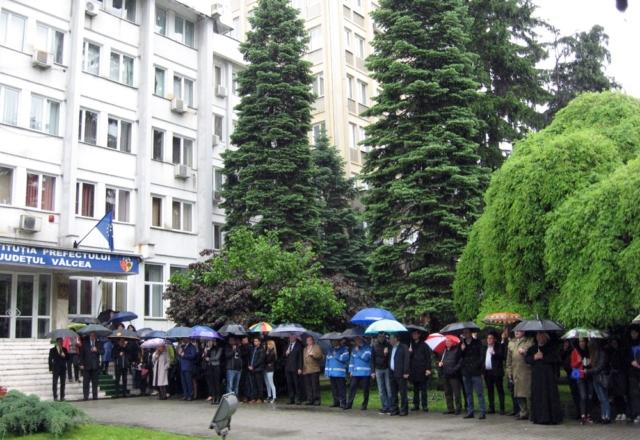 Sucursala AMVVD Vâlcea la ceremonia arborării drapelului Europei