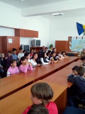 """""""LECȚIE DE PATRIOTISM"""" în cadrul programului Școala altfel"""